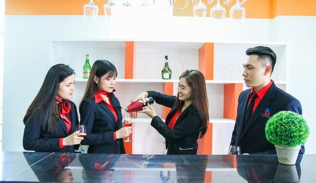 Có nhất định phải học đại học ngành quản trị khách sạn ?